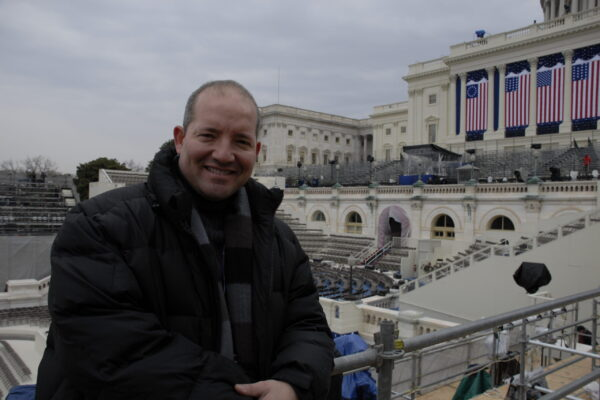 at-capitol-hill-the-day-before-inauguration-preparing-coverage_13836678643_o