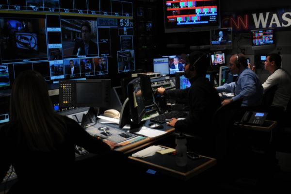 control-room-b-producing-directo-usa_13836258535_o
