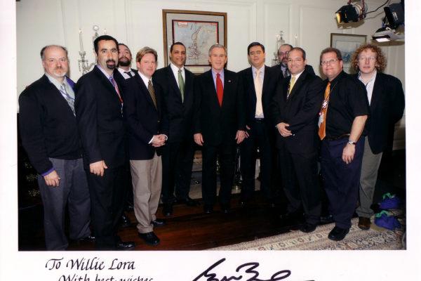 former-president-bush-with-cnne-team_13837098485_o