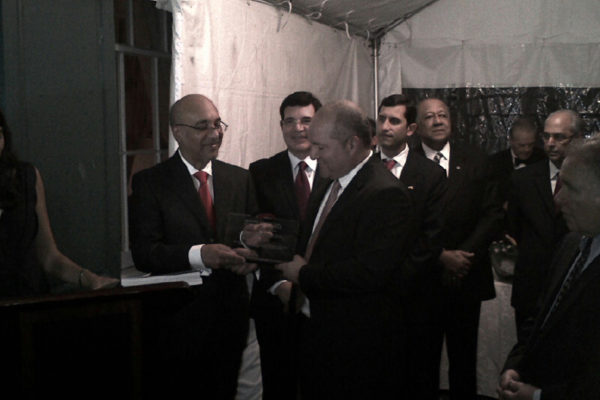 receiving-the-2012-dominican-week-in-the-us-award_13836050815_o